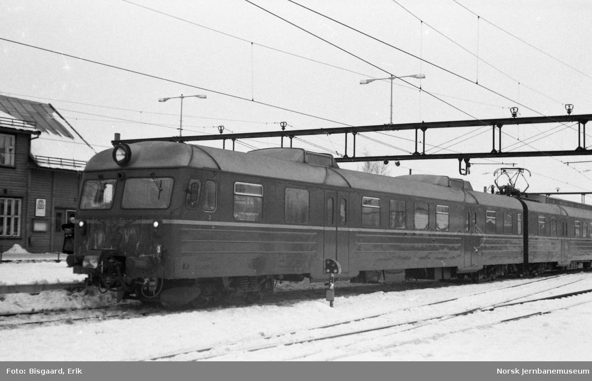 Motorvognsett type 69 på Ski stasjon
