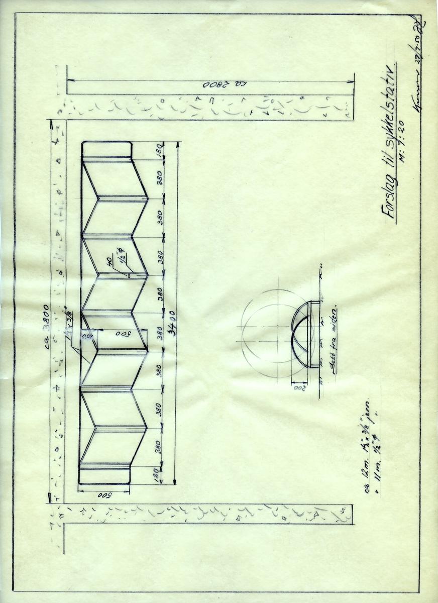 Håndtegnet arbeidstegning med forslag til sykkelstativ. Utrabeidet på Krossen i 1950.