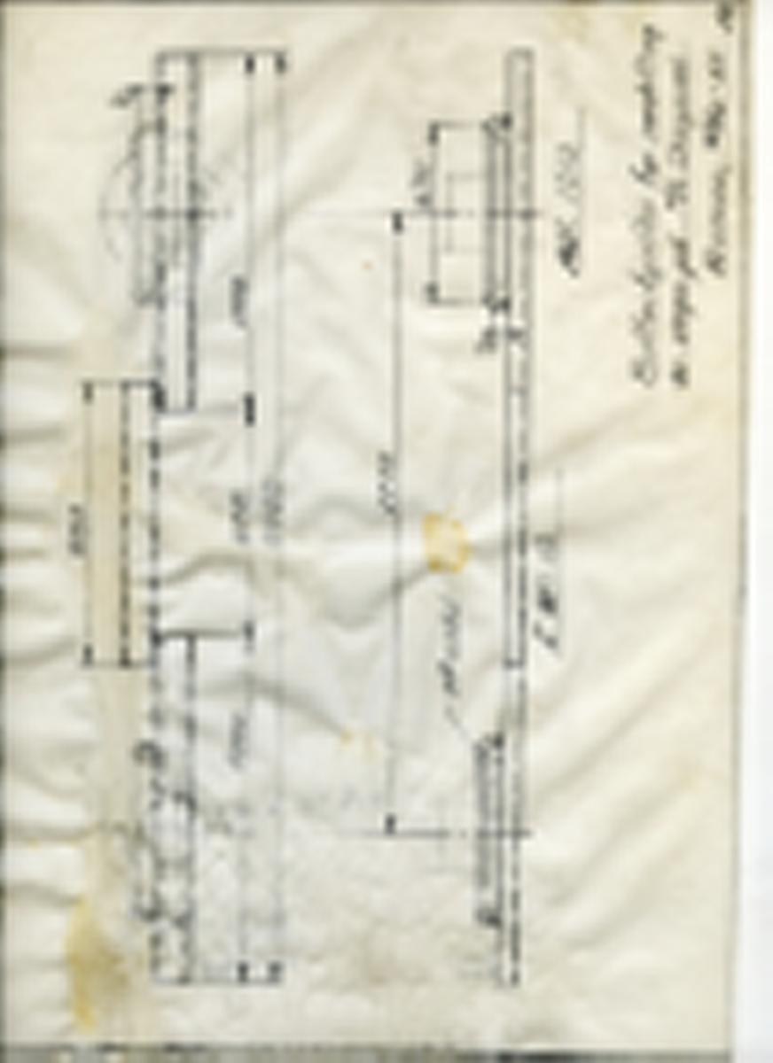 Håndtegnet arbeidstegning til bufferbjelke brukt i forbindelse med innskifting av vogn på M/S Skagerak. Utarbeidet ved Krossen i 1965. M/S Skagen var en bil- og jernbaneferge som gikk mellom Kristiansand og Histshals fra 1965. Året etter 7. september 1966 forliste fergen med blant annet 7 jernbanevogner ombord. Etter en dramatisk redningsaksjon ble hele mannskapet og passasjerene reddet.