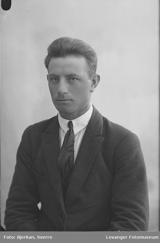 Portrett av Asbjørn Østråt