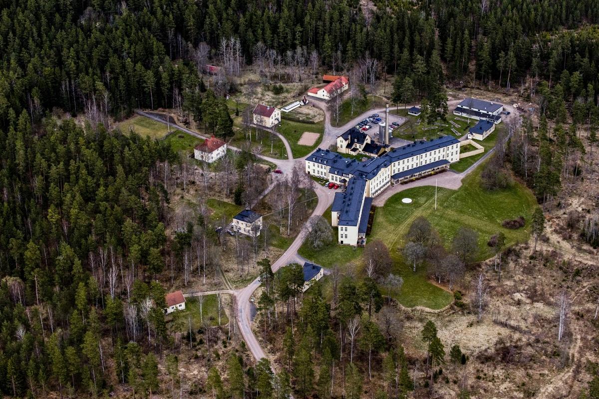 Flygfoto över Hässleby sanatorium utanför Mariannelund i Eksjö kommun.