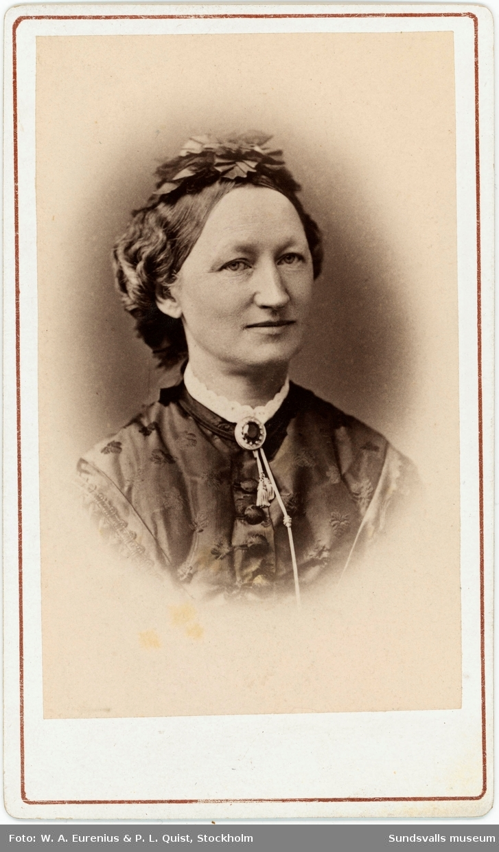 Porträtt på Allona Bünsow, maka till sågverkspatronen Friedrich Bünsow.