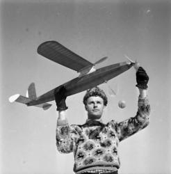 Modellflyget höll vintermästerskap i Medelpad.
