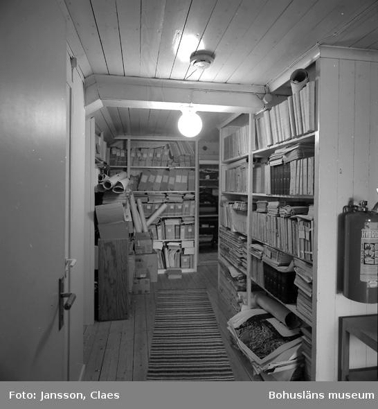 """Enligt uppgift: """"Vindsutrymme, med förvaring av böcker""""."""