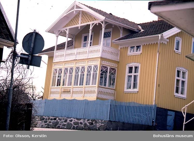 """Text på kortet: """"Fiskebäckskil April 1987""""."""