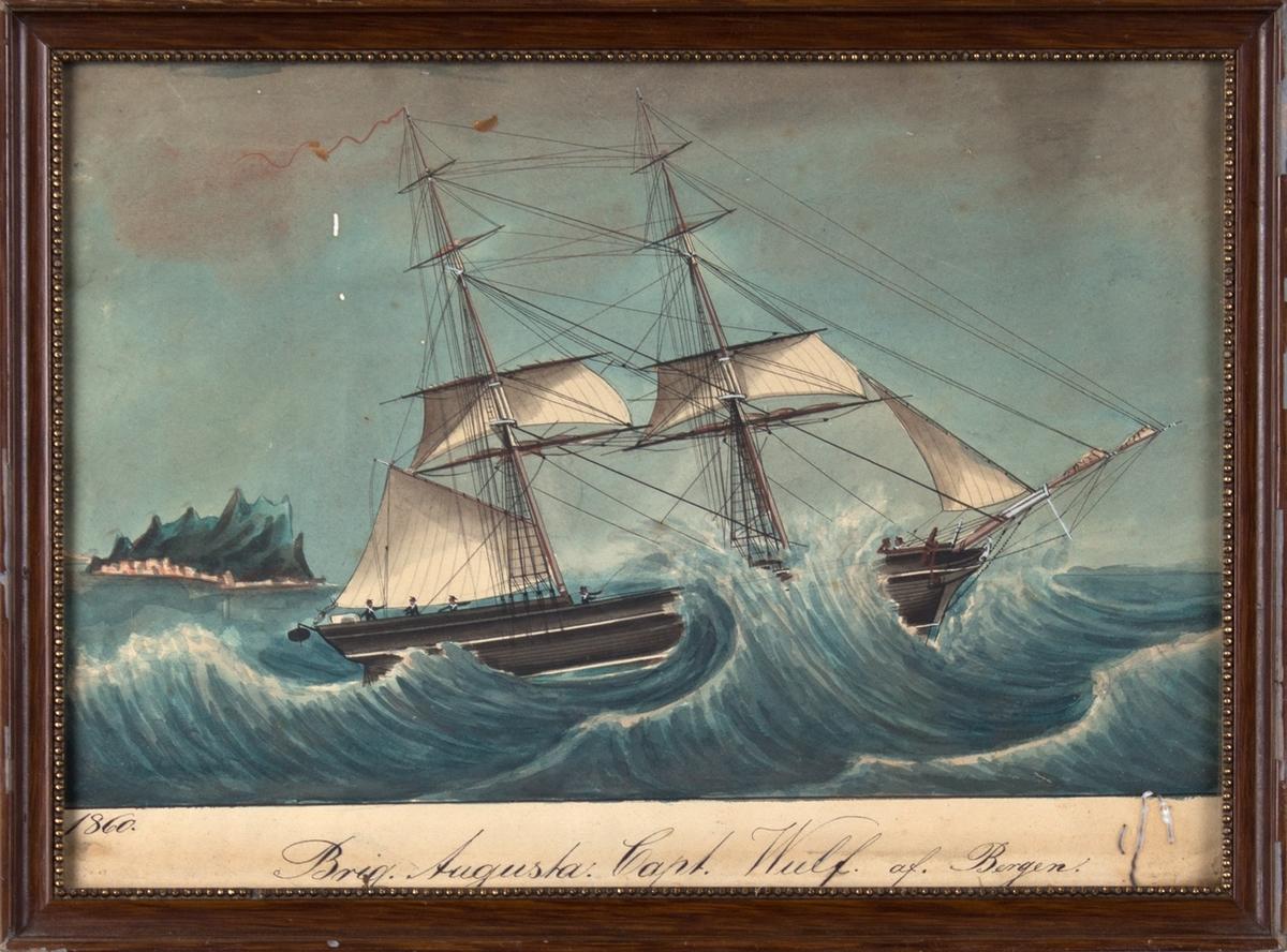 Skipsportrett av brigg AUGUSTA med delvis seilføring i grov sjø. Ser en øy med bebyggelse på i bakgrunn