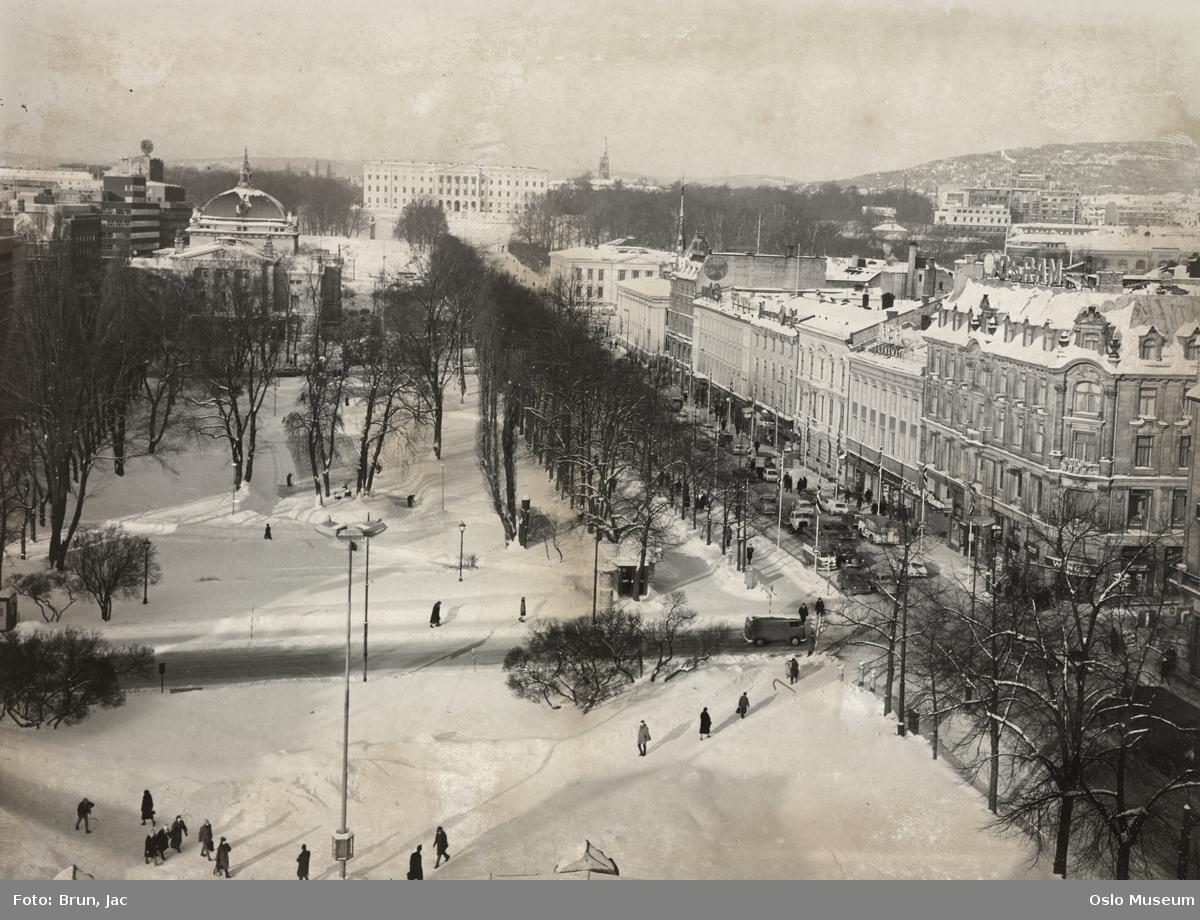 utsikt, gateløp, biler, mennesker, Hotel Nobel, forretningsgårder, park, kiosk, Nationaltheatret, Slottet, Universitetet, snø