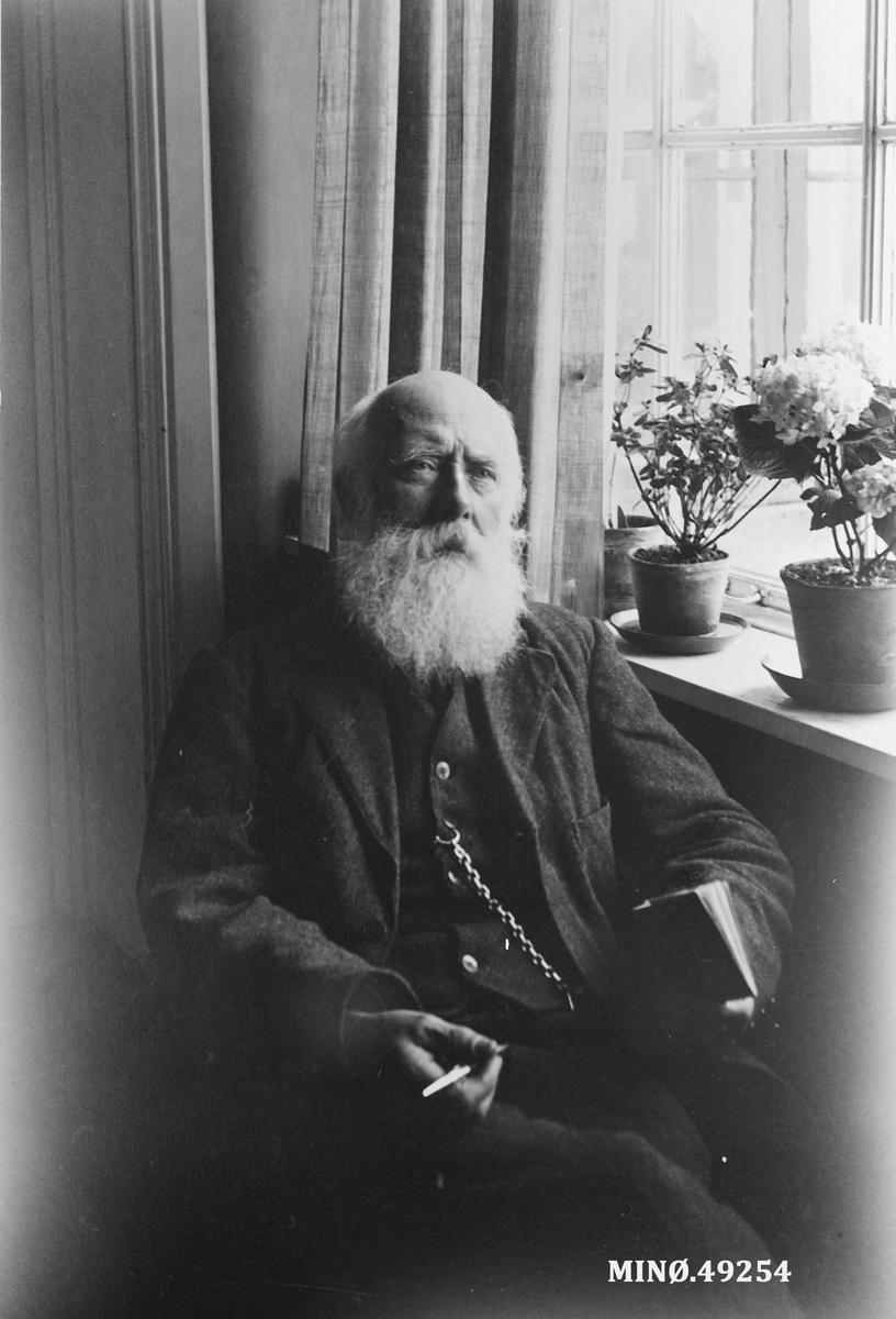 Ivar Mortenson Egnund.