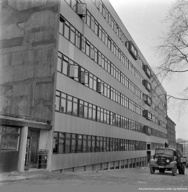 Indremisjonens sosialbygg i Maridalsveien. April 1958