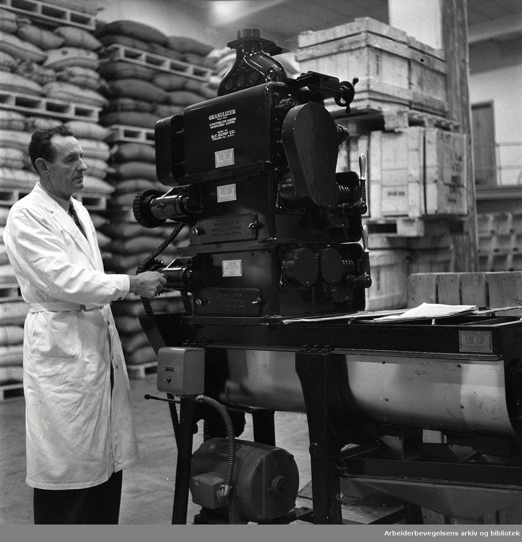 Kaffebrenneri på Filipstad, 14. november 1958.
