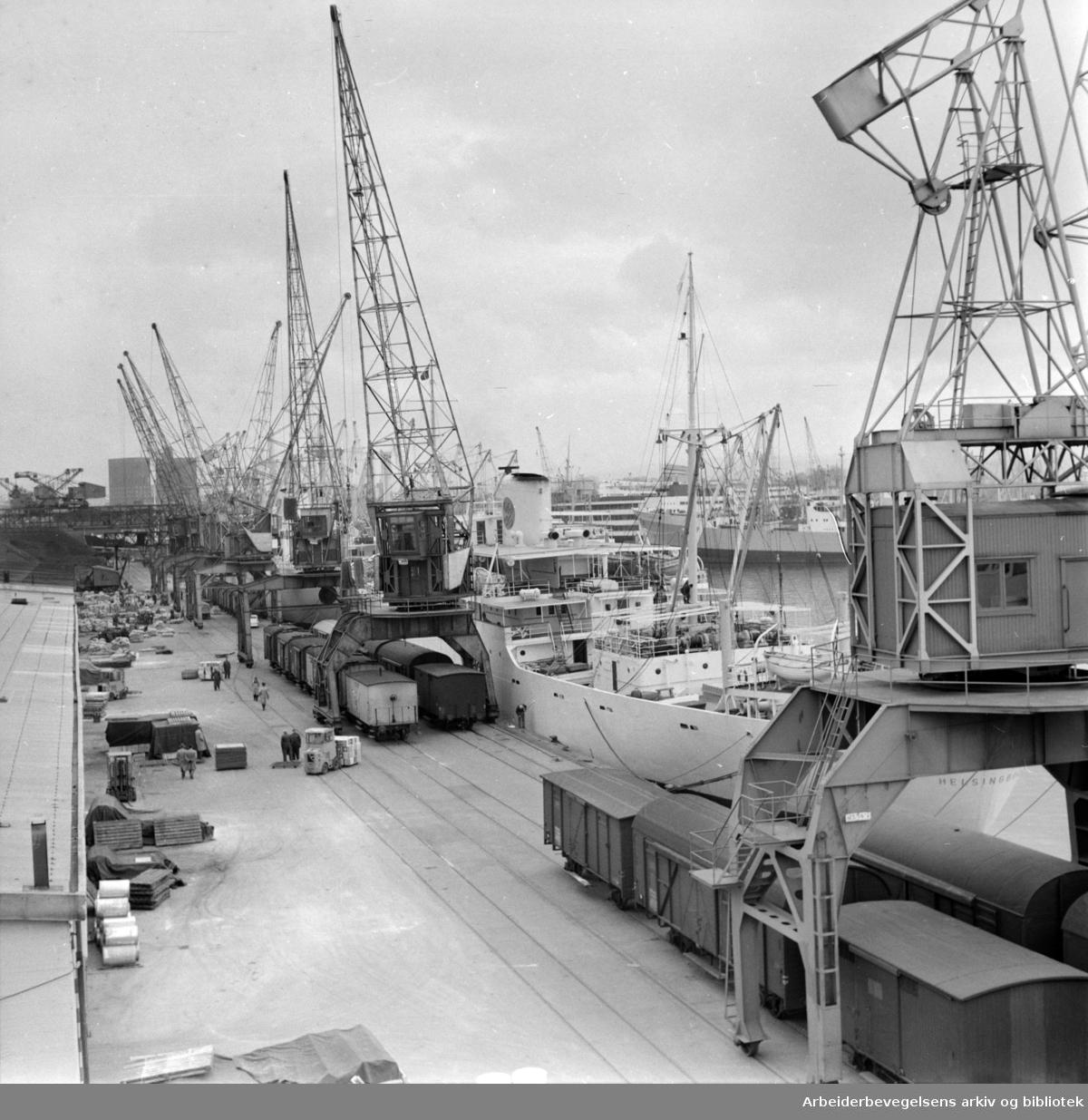 Havna. Filipstadbrygga. April 1959