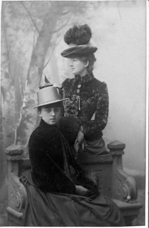 Ragnhild og Dagny Juell