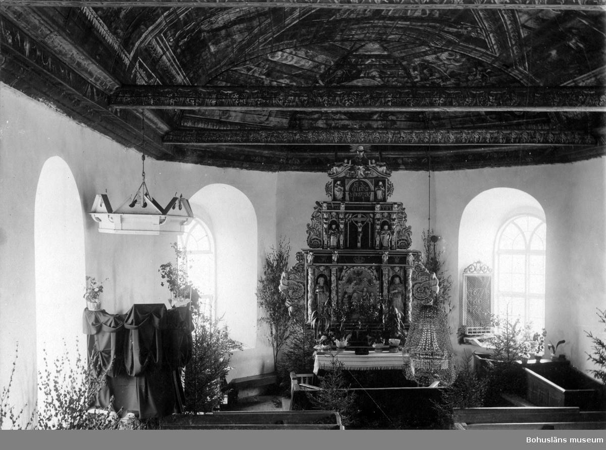 """""""Interiör af Svarteborgs kyrka vid komminister C. J. Granfeldts begravning den 5 juni 1902"""" enligt text till bilden"""