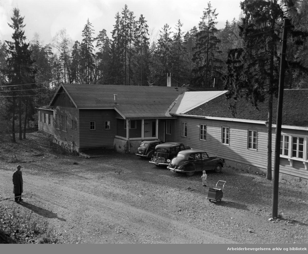 Anonyme alkoholikeres klinikk, Ullernchausseen 82. Oktober 1951