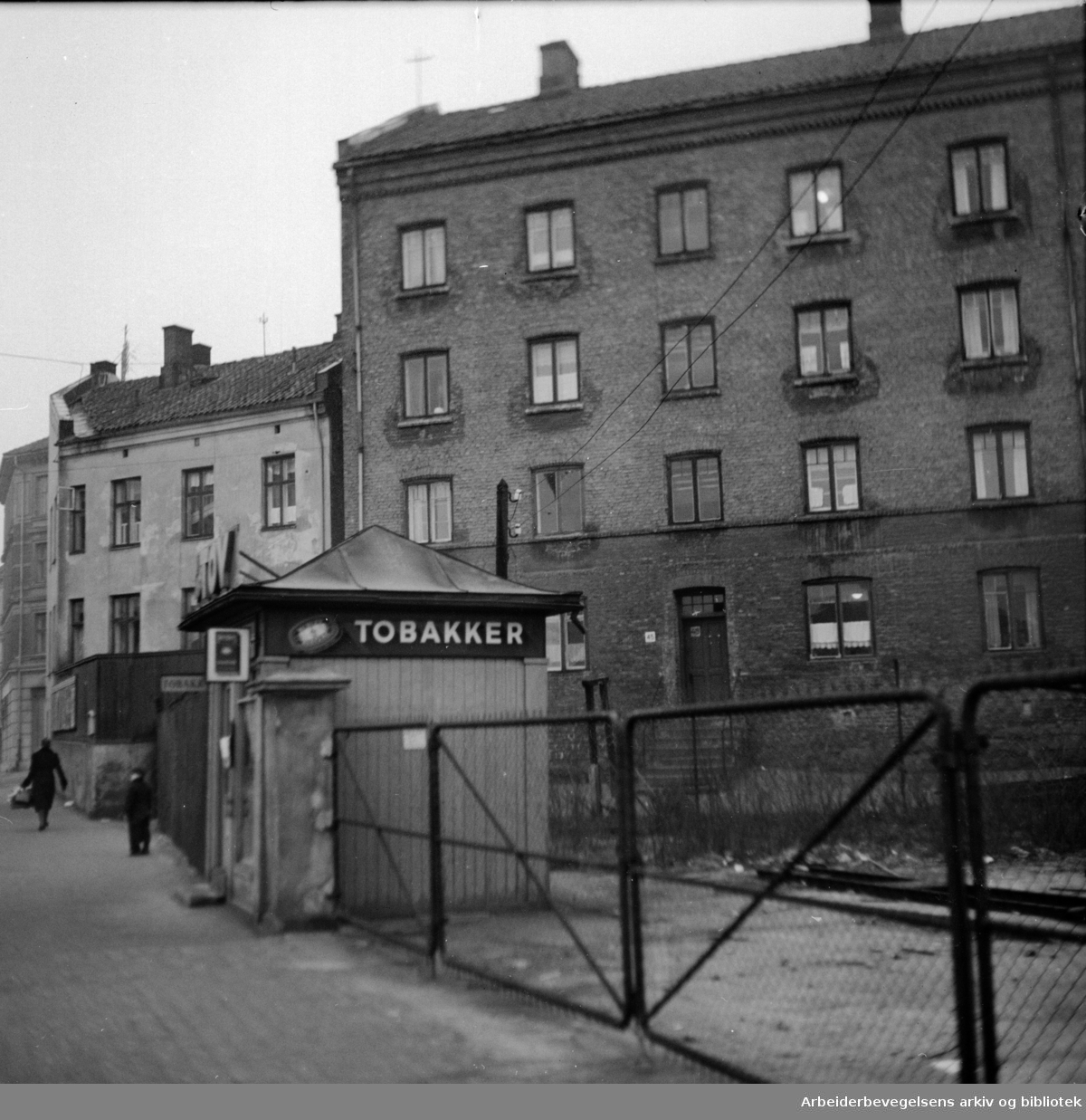Arbeiderboliger: Hjørnet Maridalsveien - Sannergaten..Januar 1949