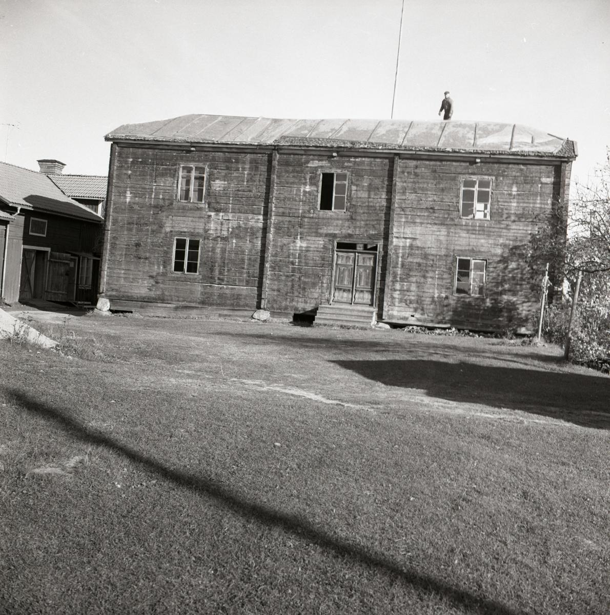 Mickelssons hus före nedmontering och flytttning, 1967-68 i Rengsjö.