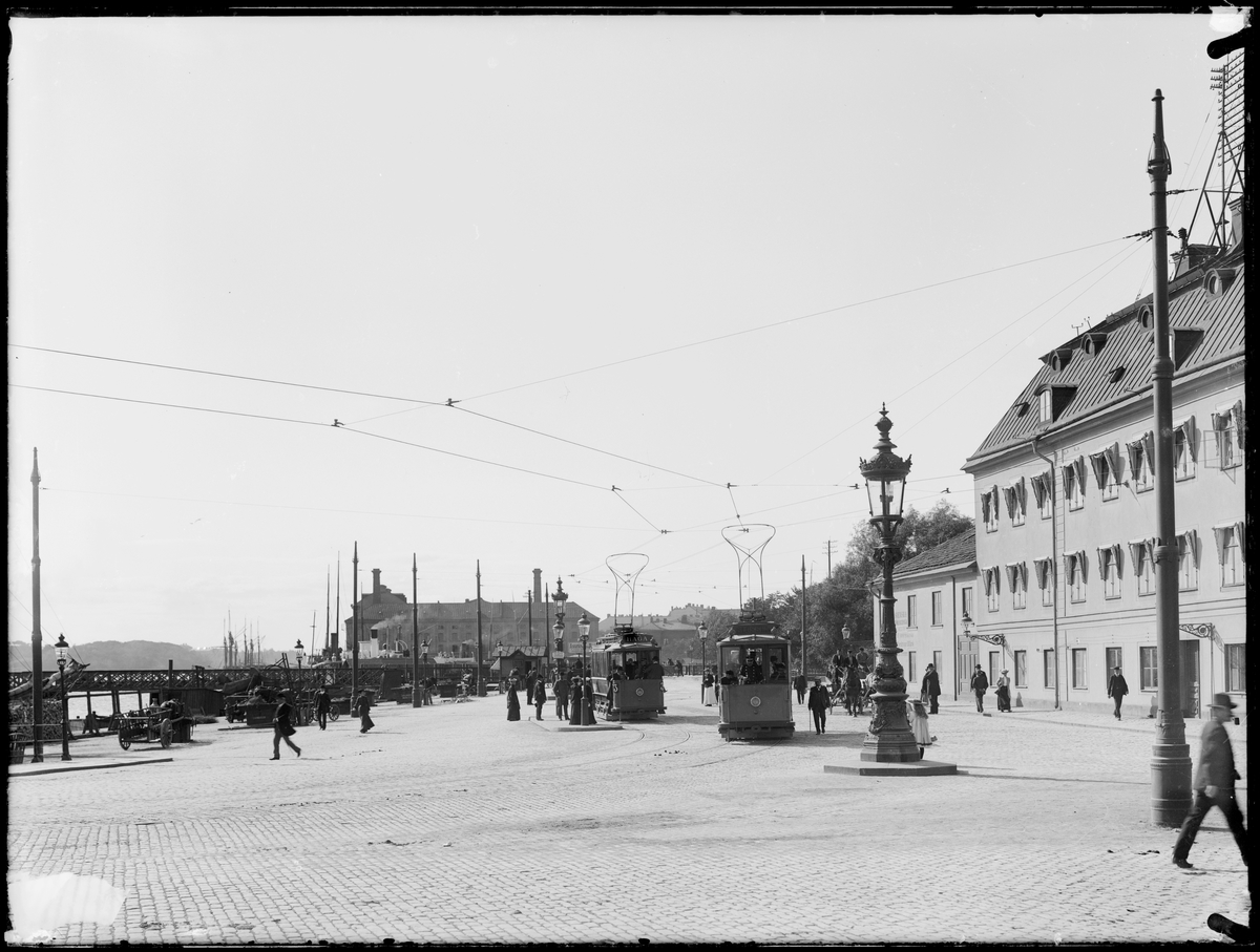 Spårvagnstrafik vid Tegelbacken.