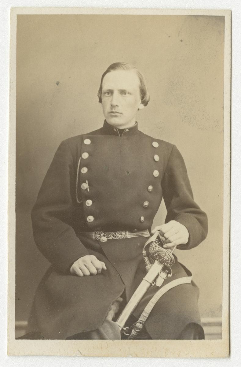 Porträtt av Ivar Adolf Virgin, underlöjtnant vid Västgöta regemente I 6.