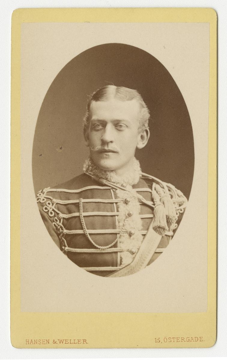 Porträtt av Per Olof Liedberg, löjtnant vid Skånska husarregementet K 5. Se även bild AMA.0009688.