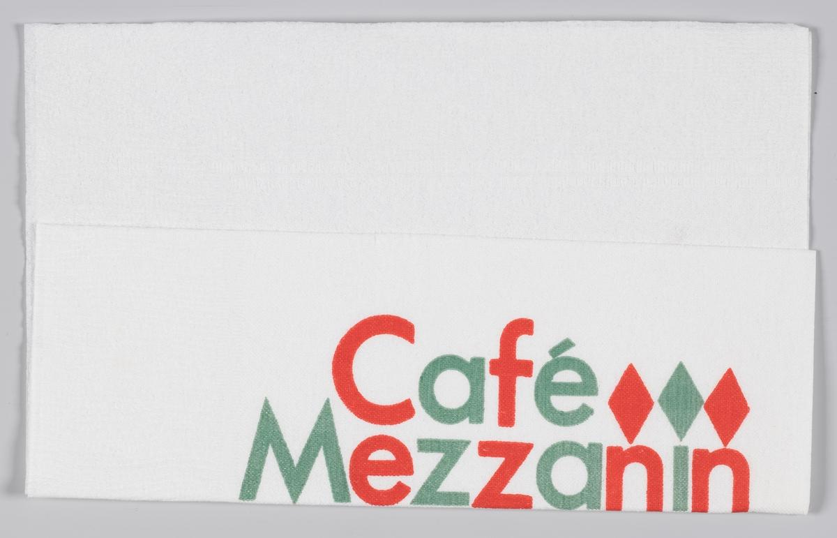En reklametekst for Cafè Mazzanin og Friele kaffe.   Kaffehuset Friele er et norsk kaffebrenneri som holder til på Midtun, sørøst for Bergen sentrum. Det er i dag Norges største kaffeprodusent, og har i mer enn 210 år forsynt norske husholdninger. Styreformann Herman Friele (født 1943) er syvende generasjons kaffebrenner, etter at det hele startet i 1799 da skipskaptein Herman Friele I gikk i land i Bergen for å satse på handelsvirksomhet. Frem til midten av 1980-tallet solgte Kaffehuset Friele mesteparten av sin kaffe på Vestlandet og i Nord-Norge. Dette hadde tradisjonelt vært det tidligere grossistfirmaets kjerneområder, men i dag selges Friele kaffe over hele landet.  Samme reklame på MIA.00007-004-0183; MIA.00007-004-0184.