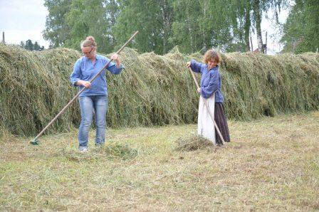 Anne Grete og Karen Elise hesjer på Folkenborg juli 2012 (Foto/Photo)