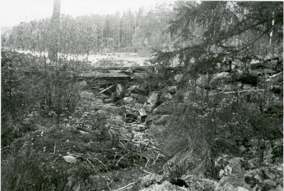 Karbenning sn. Dammen vid sjön, 1933.
