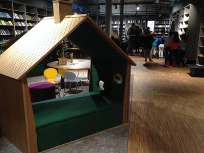 Platser att sitta tillsammans och uppleva det biblioteket erbjuder är en idé vi tar med oss från Fubiak till Fayegården.