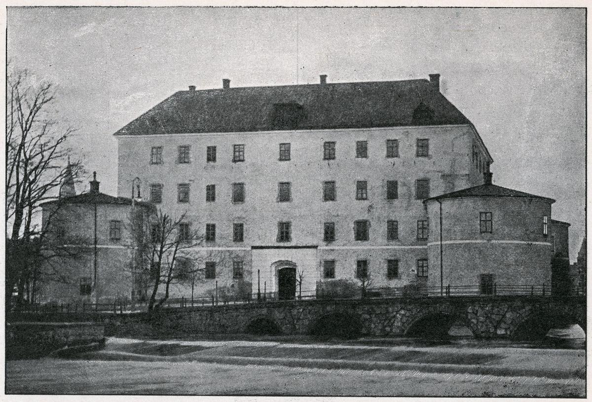 Örebro, slottets östra fasad, före 1897.