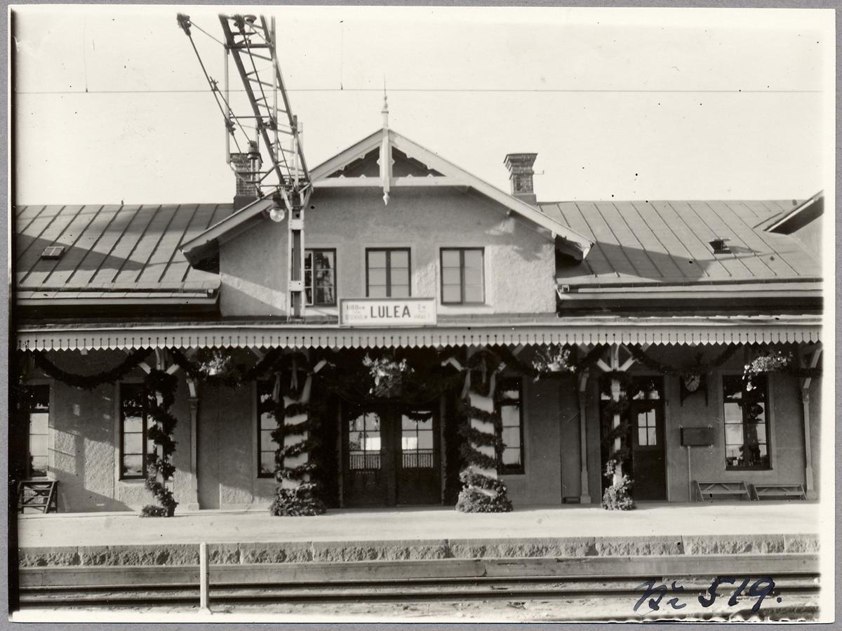 Luleå stationshus, utsmyckning vid kungabesök.