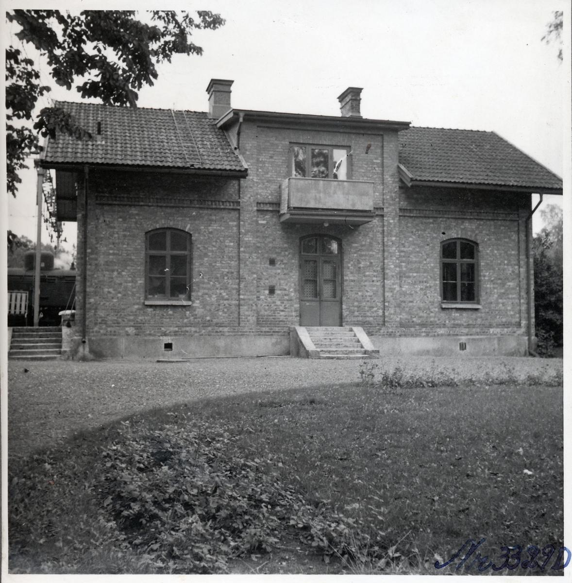 Segmon stationshus.