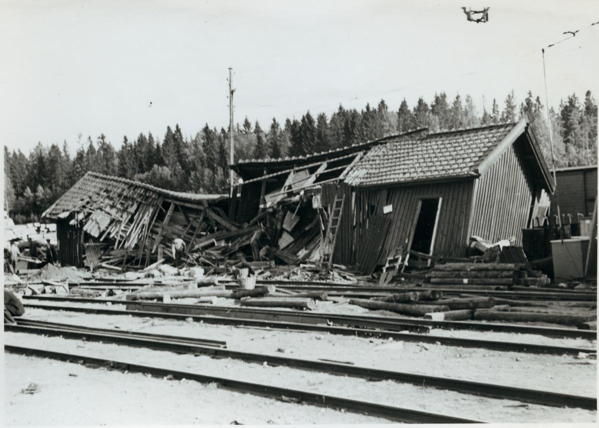 Förrådsbyggnad i Pålsboda efter olyckan 1951.