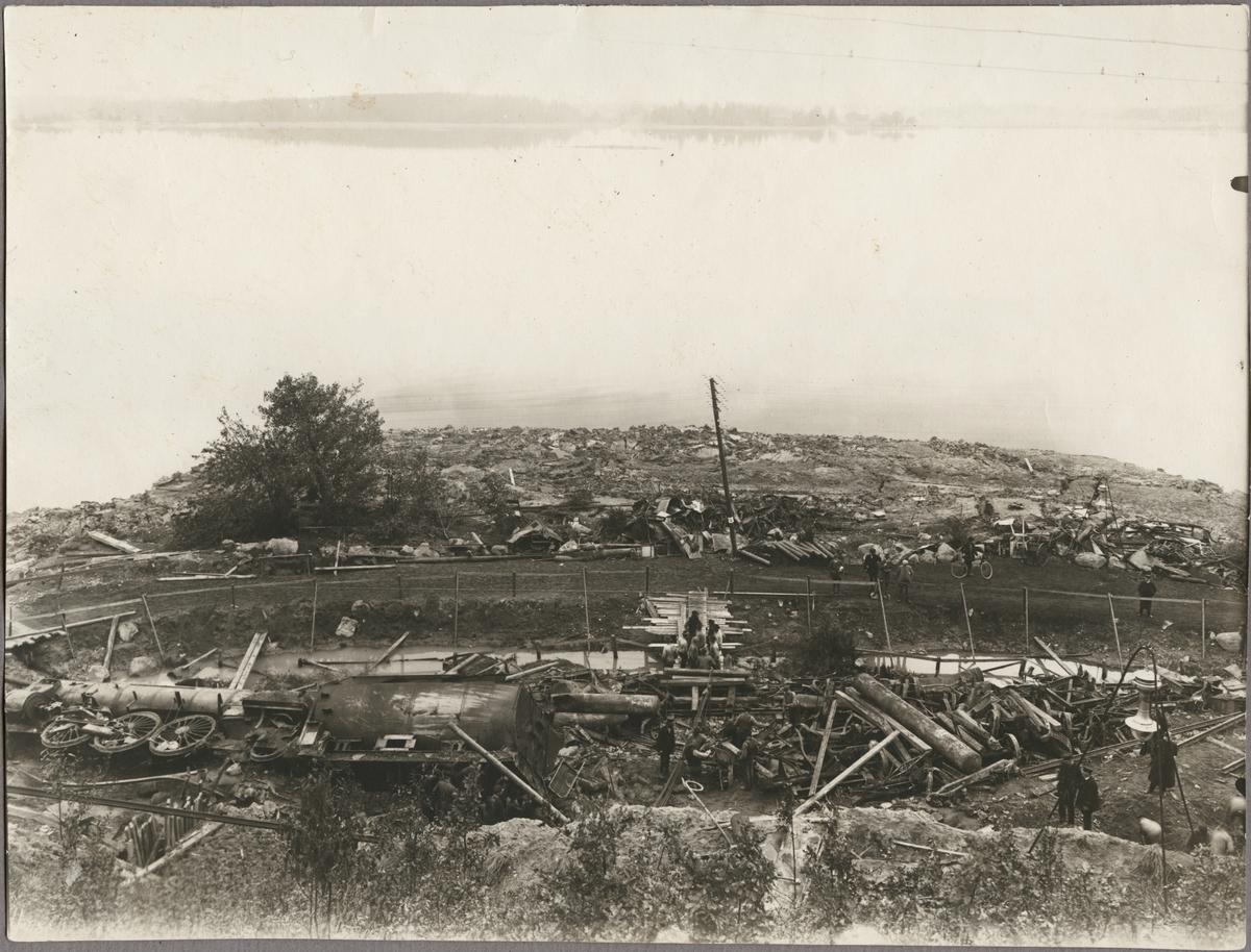 Vy över jordskredet i Getå som orsakade tågolyckan den 1 oktober 1918.