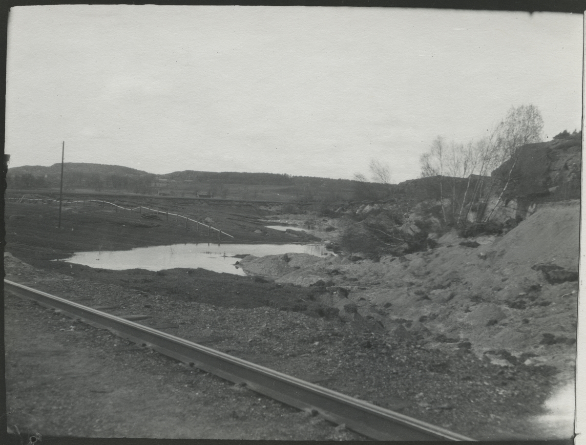 Dubbelspårsbanbyggnad Göteborg - Alingsås, år 1911 - 1916. Denna sträcka består av 2 bandelar (Göteborg - Lerum nr 347 och Lerum - Alingsås nr 346.)