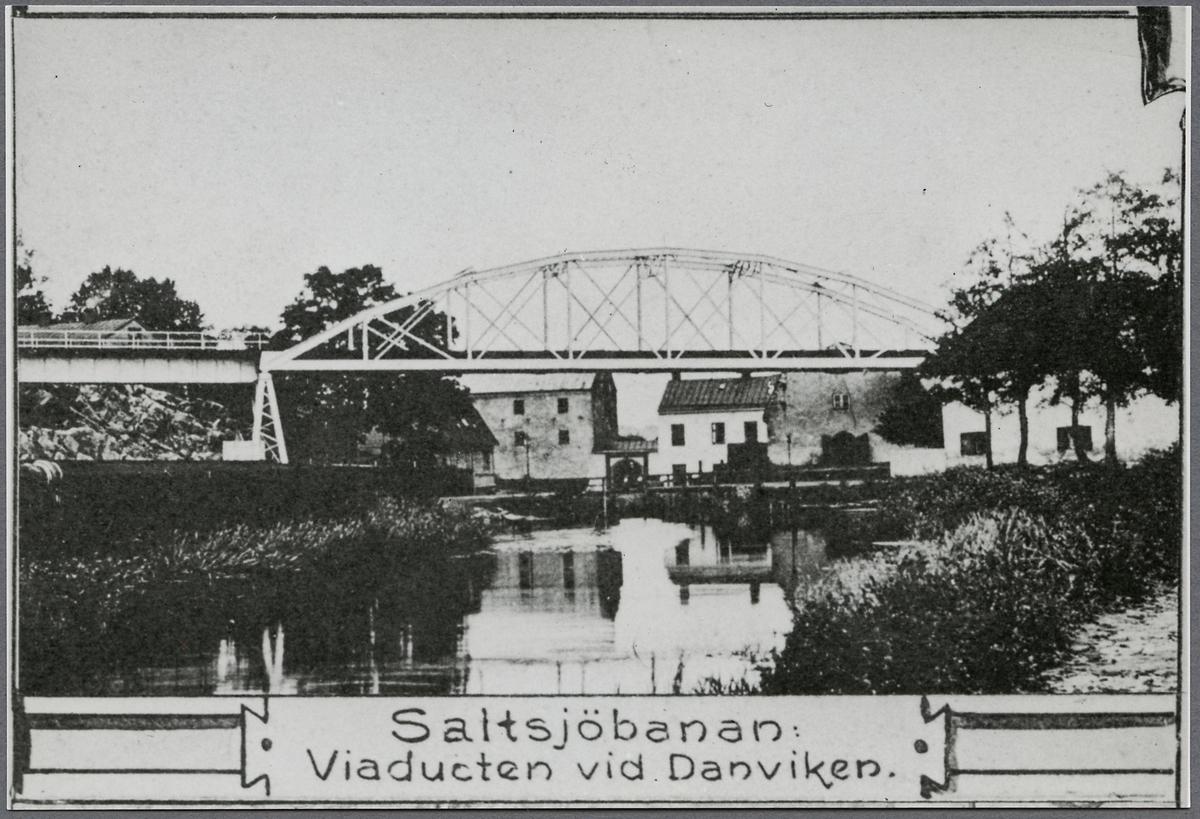 Viadukten över Danviken. På linjen mellan Stockholm Saltsjöbanan och Henriksdal.