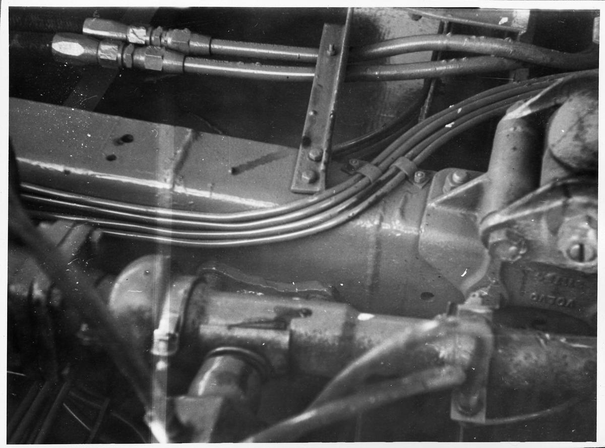 Mekanik i en buss.