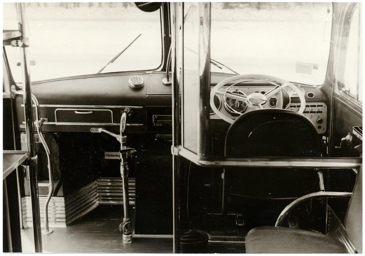 Förarplatsen på en Mercedesbuss.