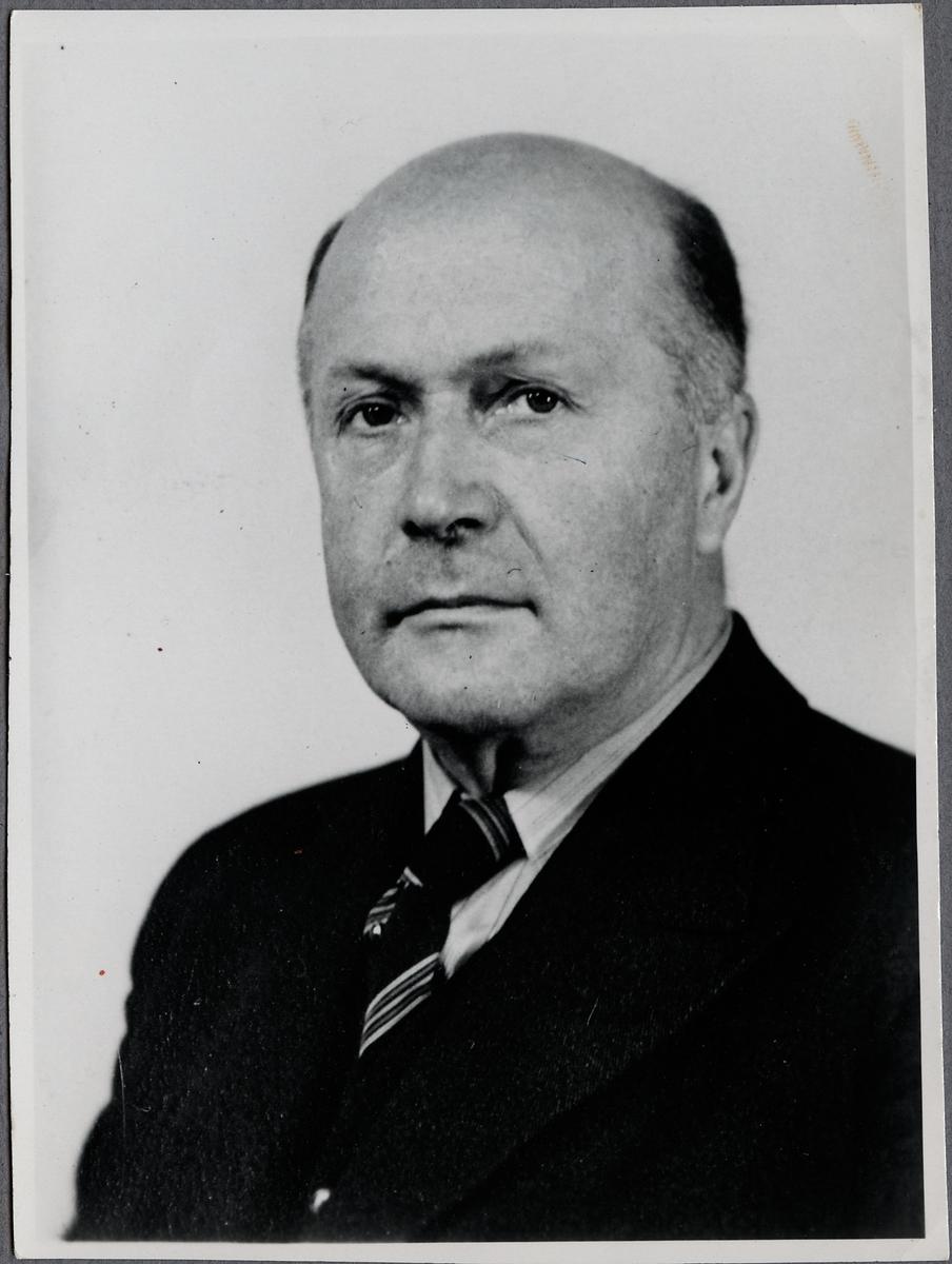 Tor Emers. Överdirektör