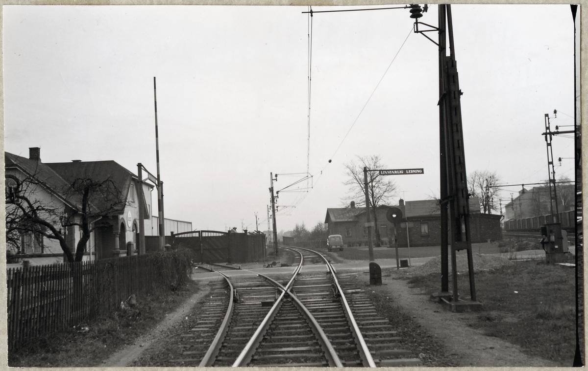 Järnvägsövergång vid Kärleksgatan i Arlöv, på linjen mellan Arlöv och Åkarp.
