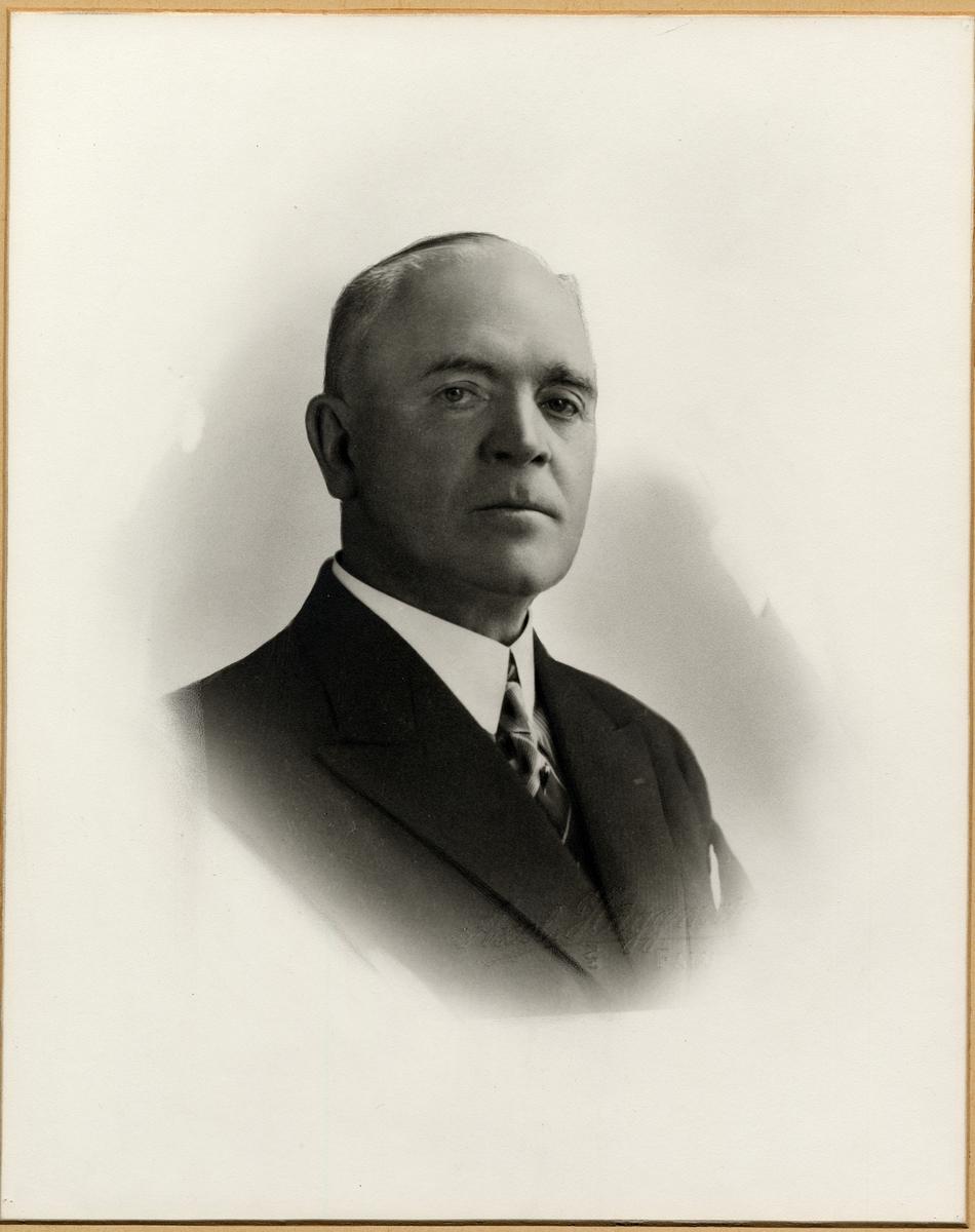 Carl Gustaf Bernhard Eklund Stationsföreståndare Falun 1/1 1923 - 30/9 1941