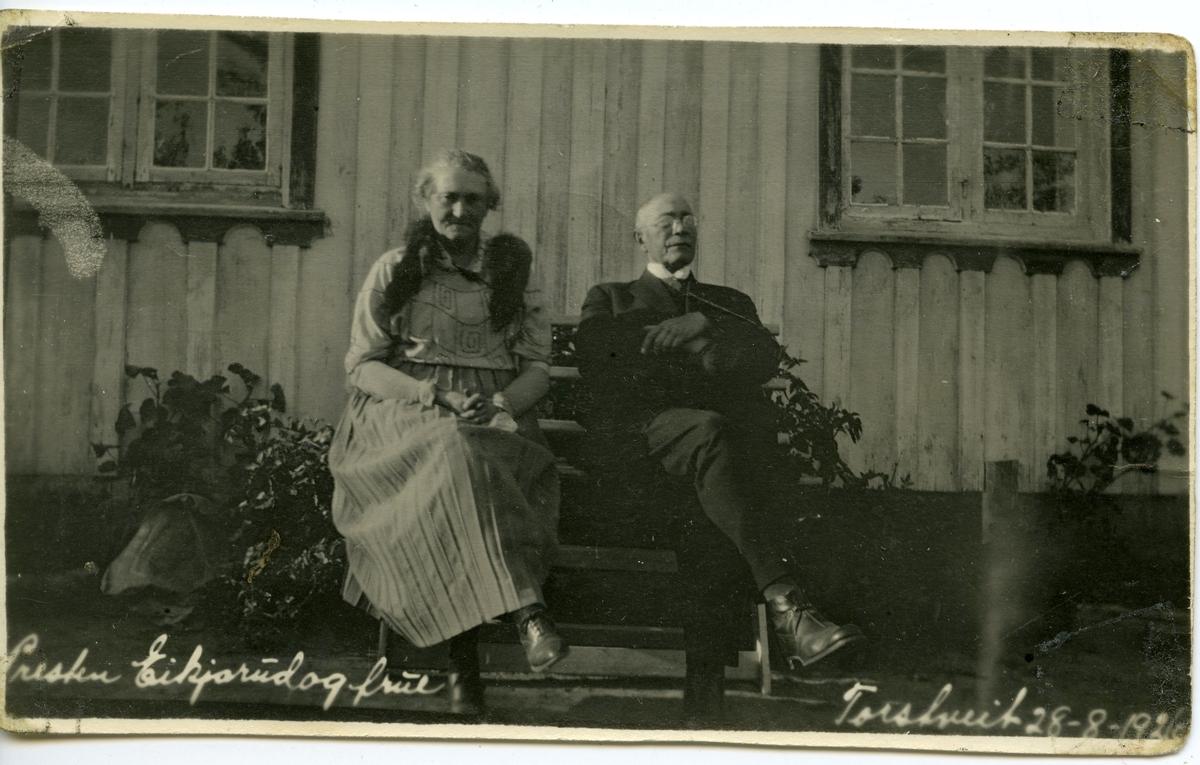 Presten Eikjarud og frue