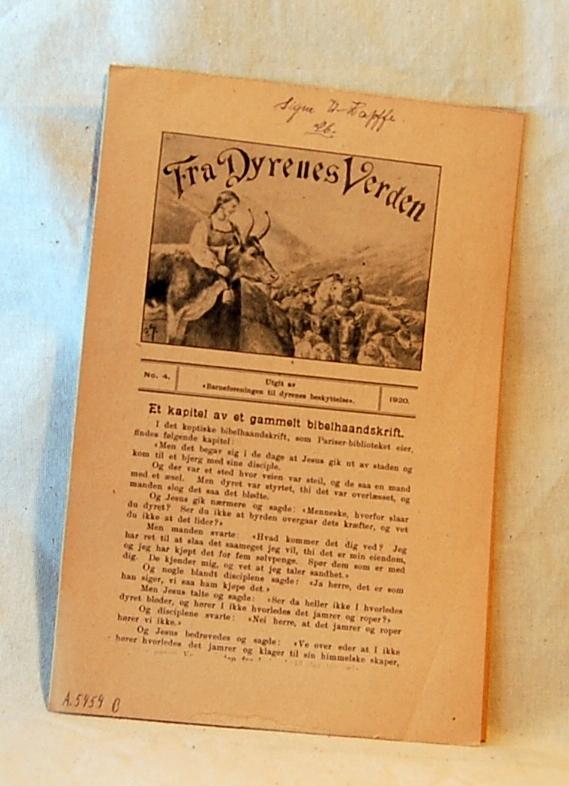 Filosofen Peter Wessel Zapffe og hans kone Berit testamenterte sin eiendom på Båstad i Asker til Universitetet i Oslo. Da det ble besluttet å selge eiendommen i 2009 ble deler av P.W. Zapffes arbeidsrom og andre eiendeler overlatt til Asker Museum. Denne samlingen inngår nå som en permanent utstilling på museet. Slitt skolebok med 3 innlegg og notater.