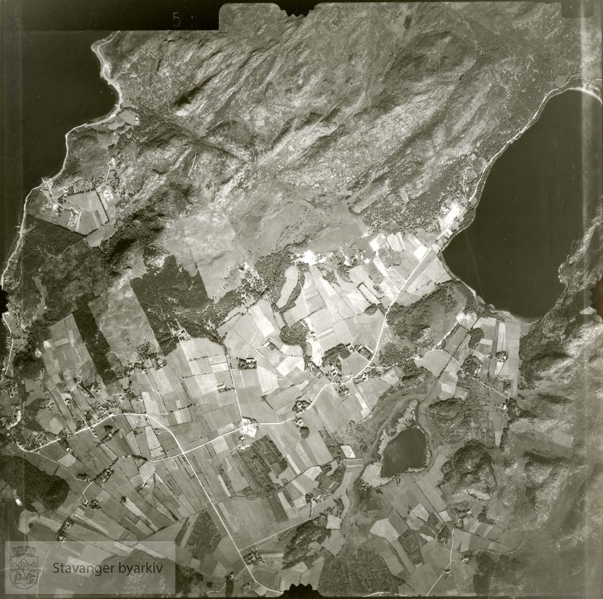 Jfr. kart/fotoplan G15/585..Vatne, Grunningen, Dybingen, Aspermyra, Sandvika..Se ByStW_Uca_002 (kan lastes ned under fanen for kart på Stavangerbilder)
