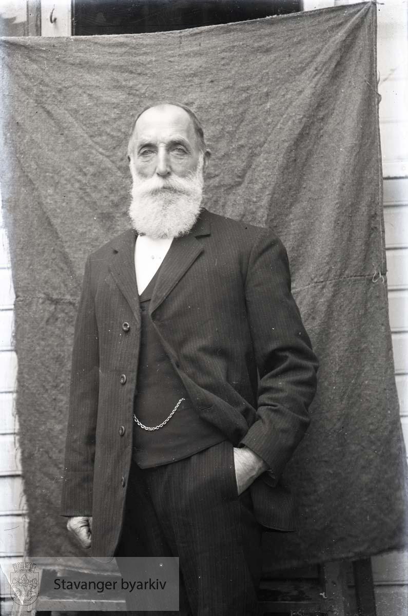 Portrett av Henrik Henriksen, Hans Henriksens far