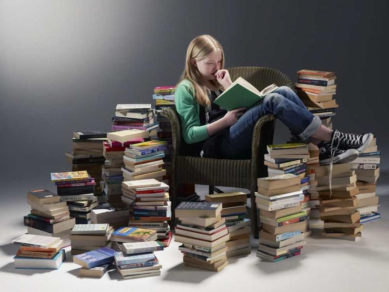How_to_Read_a_Pile_of_Books.jpg. Foto/Photo