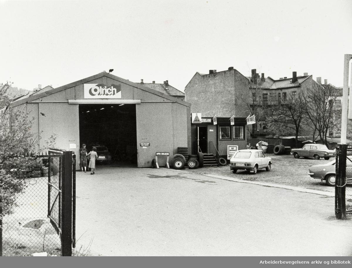Gamlebyen. Tomta som Hallen til Olrich står på skal bli utparsellert til park. Mai 1979
