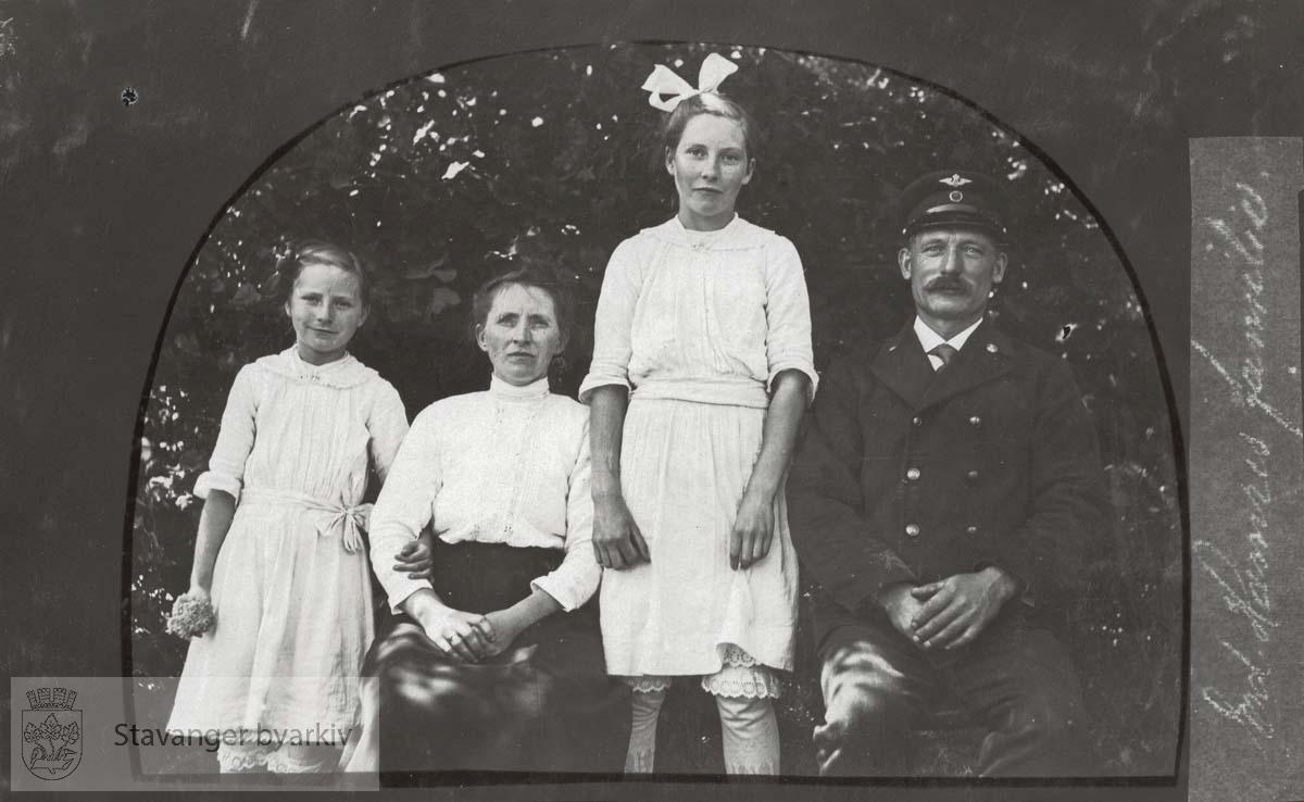 Endre Hamres familie