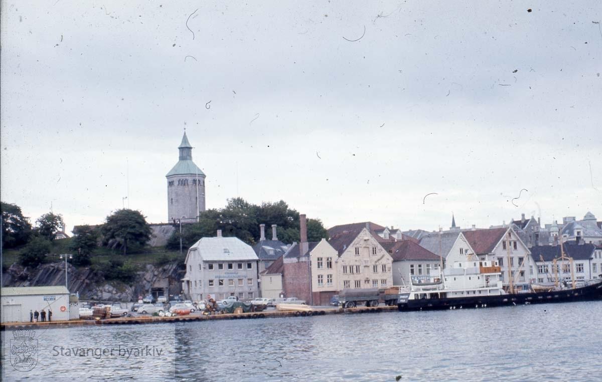Stavanger sentrum med Valbergtårnet.