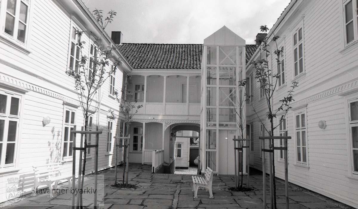 Gårdsrom ..Gamle Stavanger