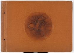 Adolf Bechs fotoalbum fra 1939-1940. Bech var kontorsjef ved