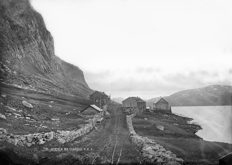 Nystøga på Filefjell, sett vestfrå. 1871.